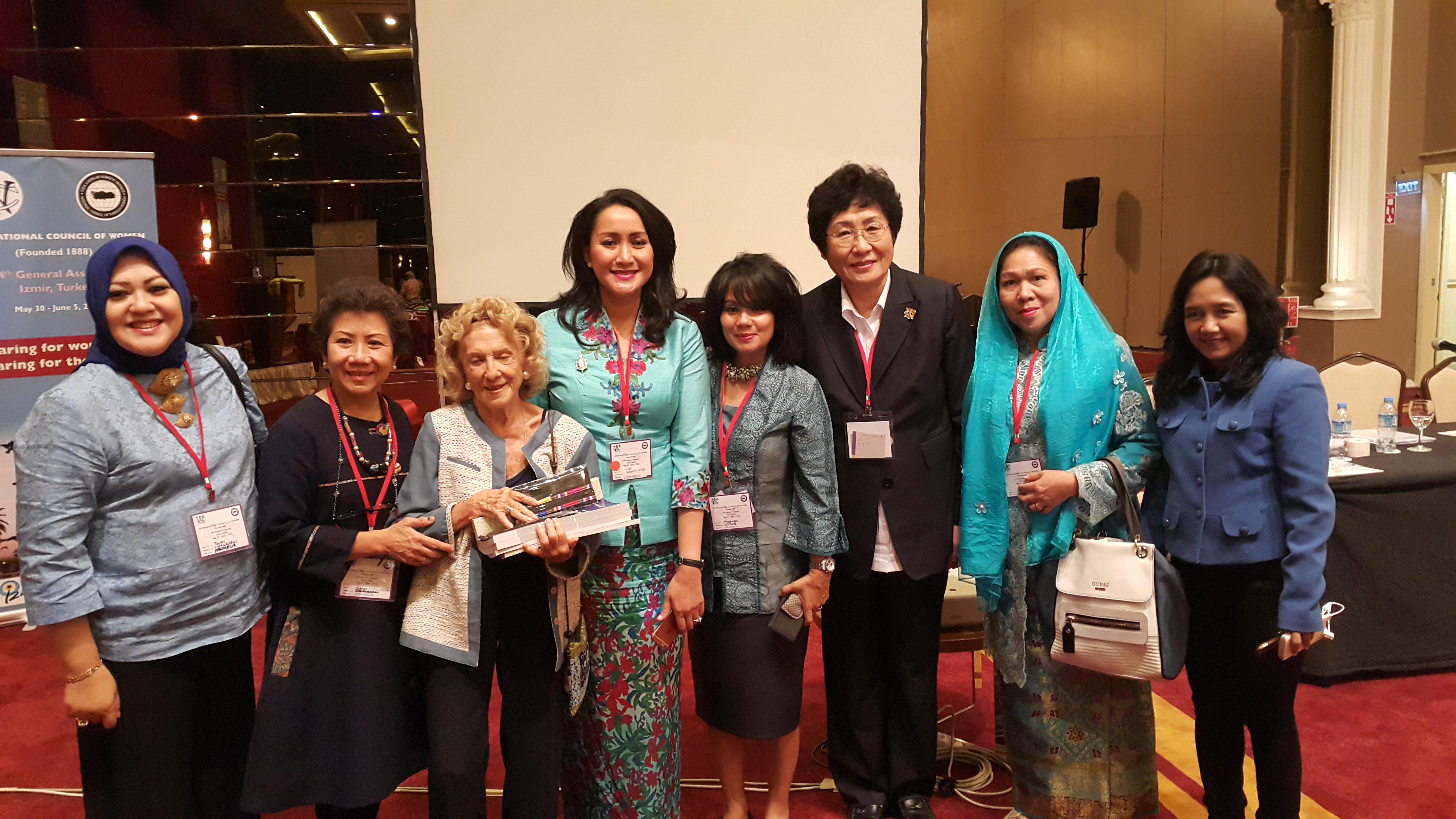 게시판 Photos The 34th General Assemly Of International Council Of Women In Izmir Turkey 2015